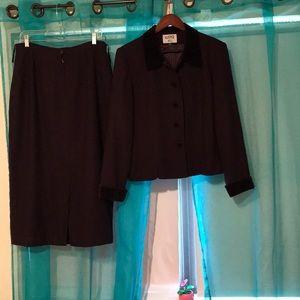 Women's  Kasper A.S.L Suit!
